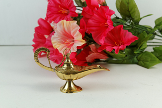 Genie Lamp with flowers